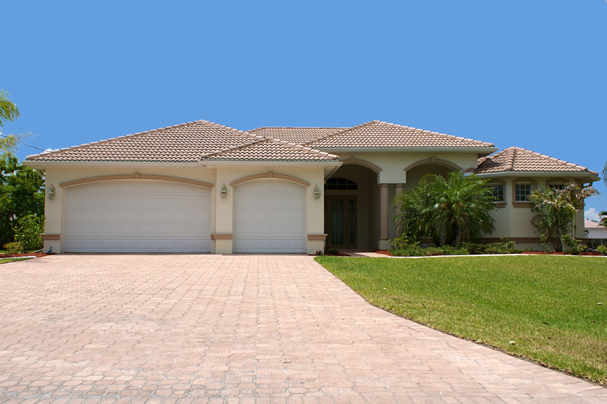 7 Roofing Safety Tips For Florida Homeowners