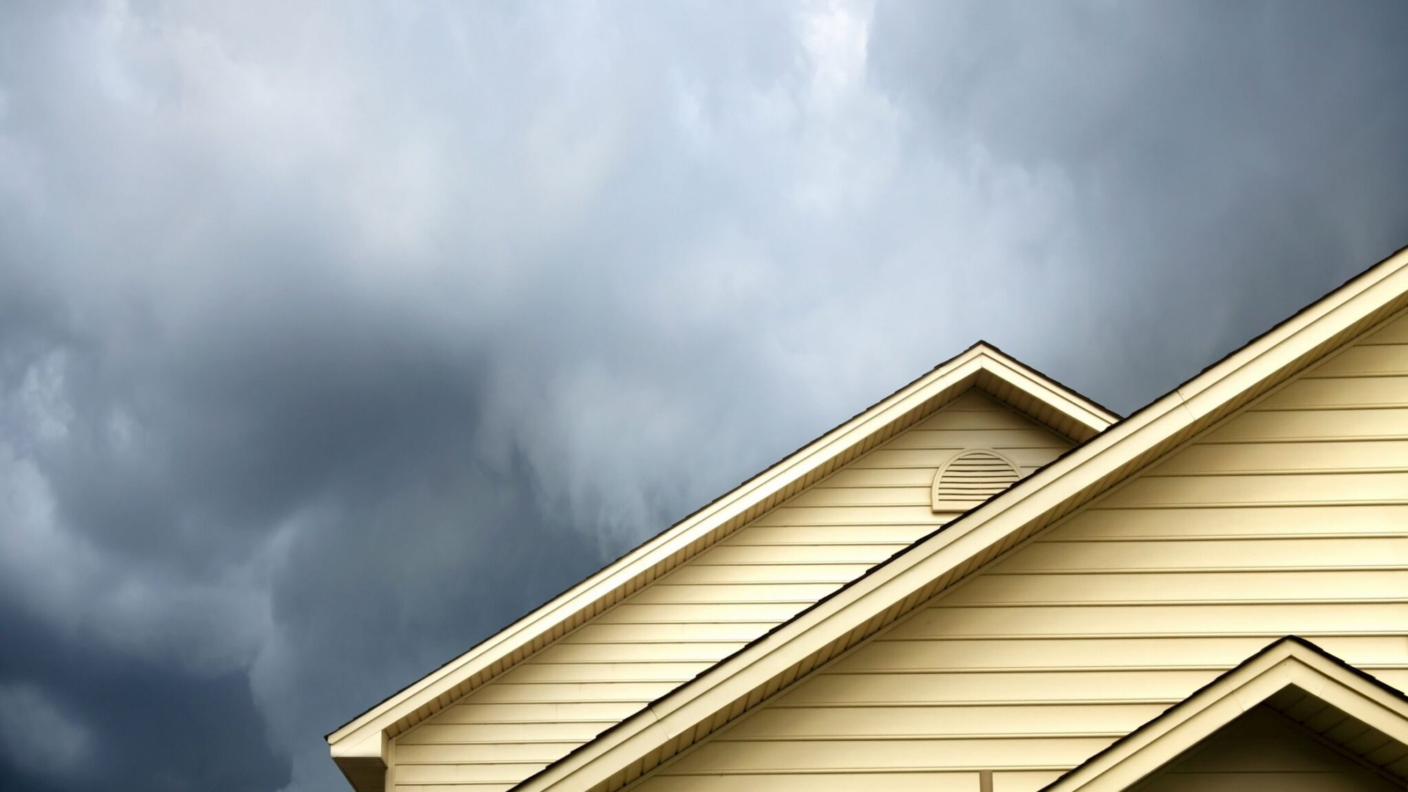 10 KeyWays To Be Prepared For Storm Damage